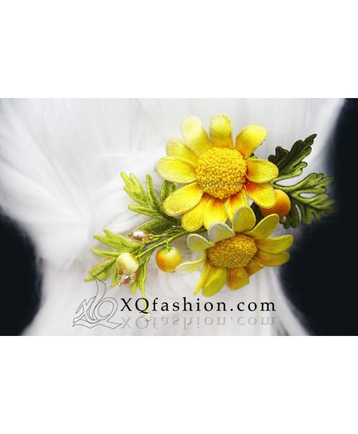 Kiềng thêu hoa Bỉ Ngạn